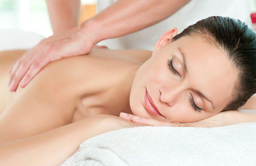 Enjoy a Massage at Downend Nails and Beauty lounge
