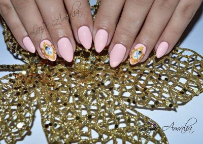 Highly decorative nails