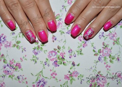 Feminine designs for your nails