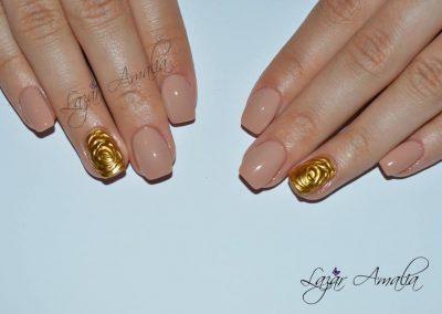Shellac and gel nail treatments