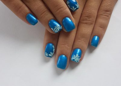 Blue gel and shellac nails