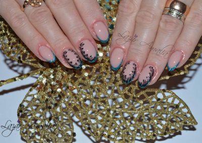Floral nail tips